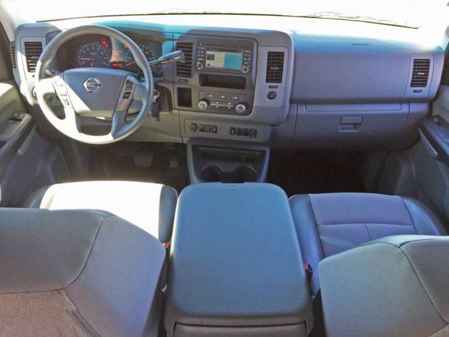 Nissan-NV-3500-SL-V8-Dsh