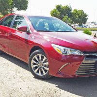 2016 Toyota Camry XLE Hybrid Test Drive
