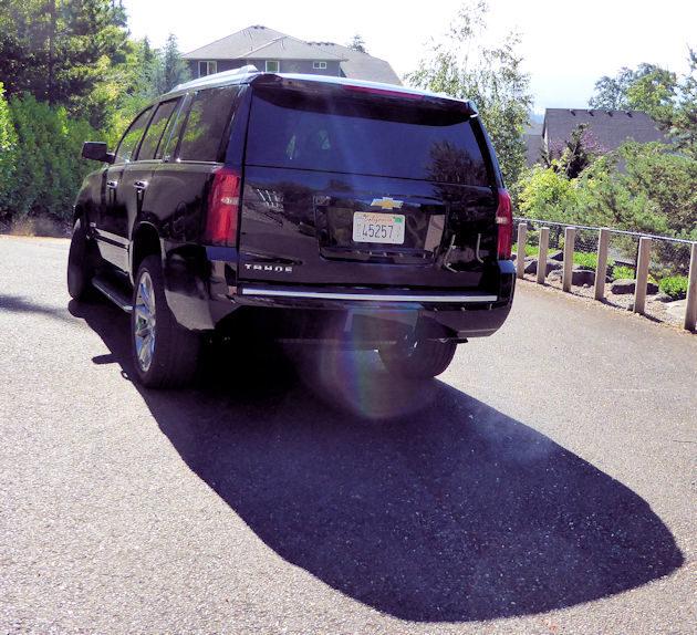 2016-chevrolet-tahoe-rear
