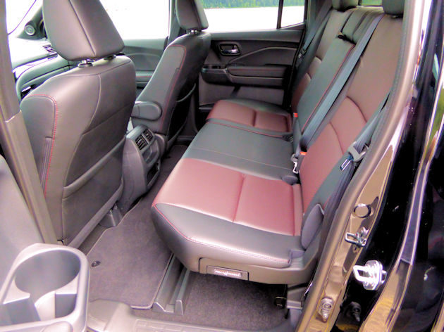 2017-honda-ridgeline-rear-seat