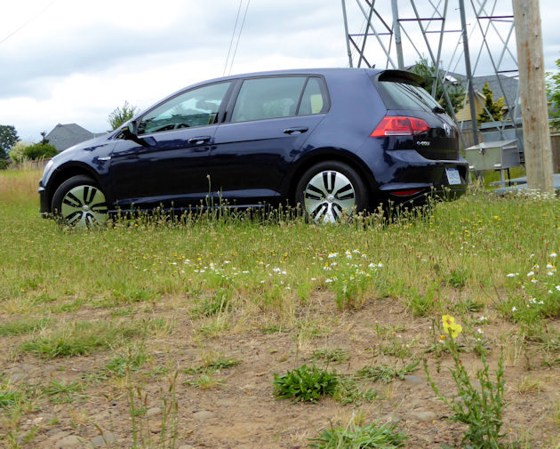 23016-volkswagen-egolf-side-2