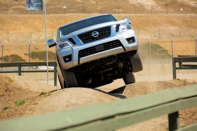 2017-nissan-armada-front-off-road