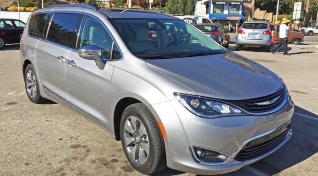 2017 Chrysler Pacifica Hybrid Test Drive