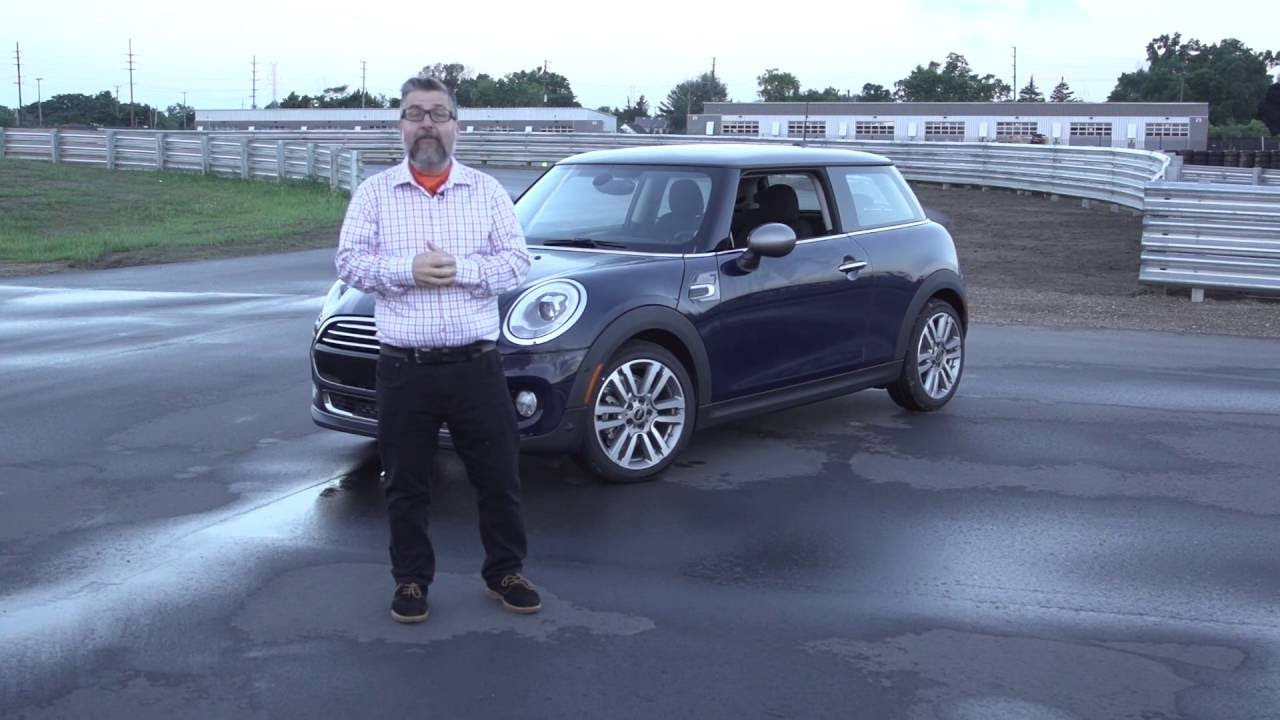 Test Miles Exclusive First Drive of the 2017 Mini Sevennbsp