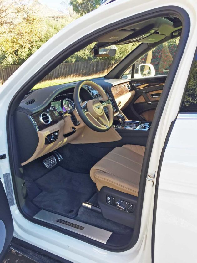 Bentley-Bentayga-Int