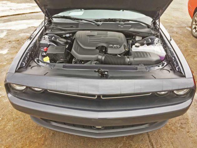 Dodge-Challenger-GT-AWD-Eng