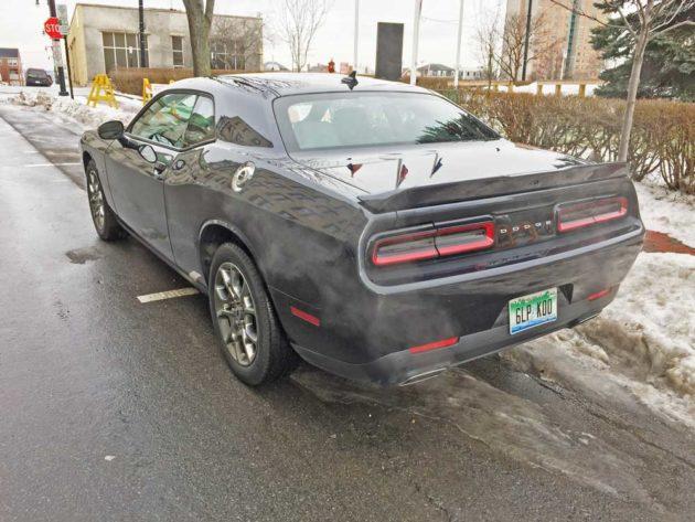 Dodge-Challenger-GT-AWD-LSR