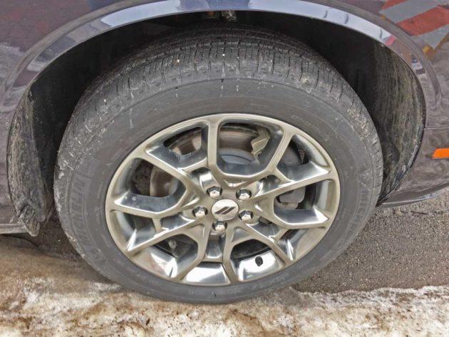 Dodge-Challenger-GT-AWD-Whl