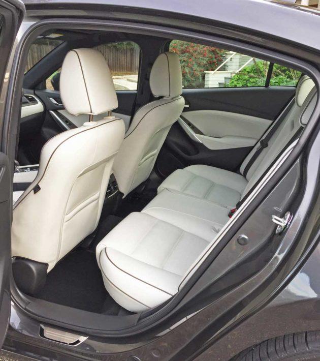 Mazda6i-GT-RInt