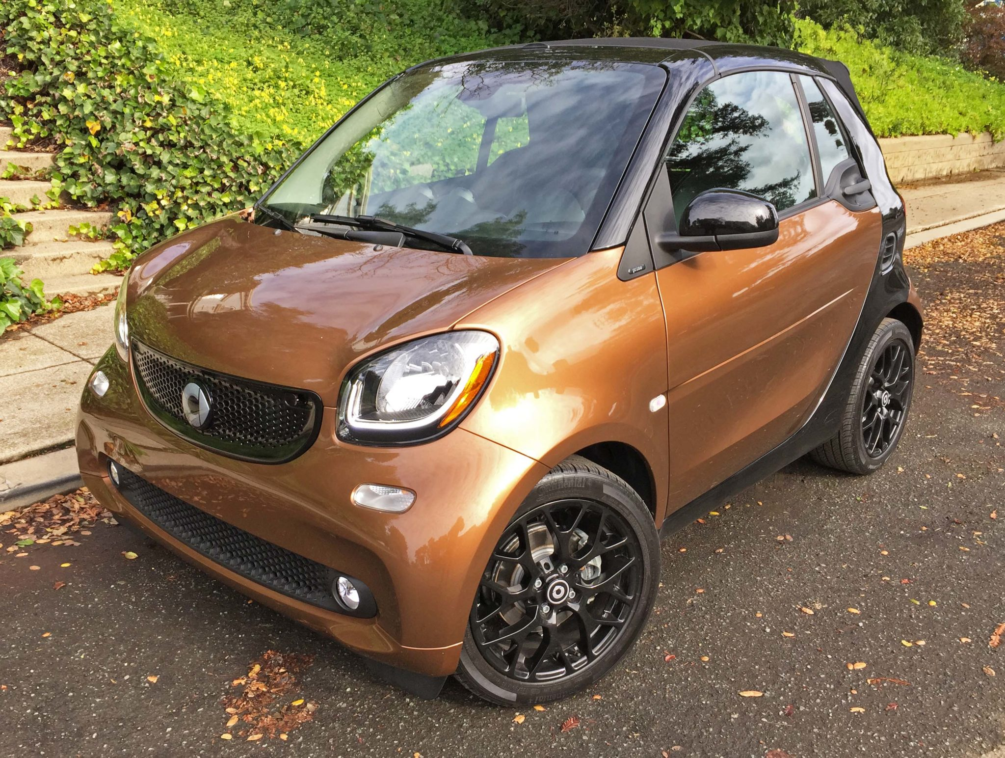 2017 smart fortwo cabrio cabrio test drive our auto expert. Black Bedroom Furniture Sets. Home Design Ideas