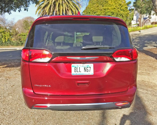 Chrysler Pacifica Trg L+Tail