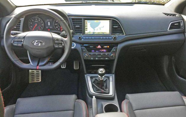 Hyundai-Elantra-Sport-Dsh