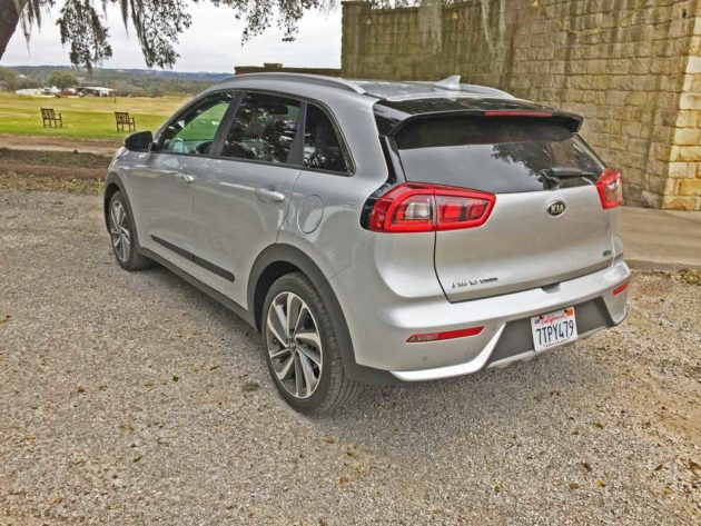 2017 kia niro hybrid test drive. Black Bedroom Furniture Sets. Home Design Ideas