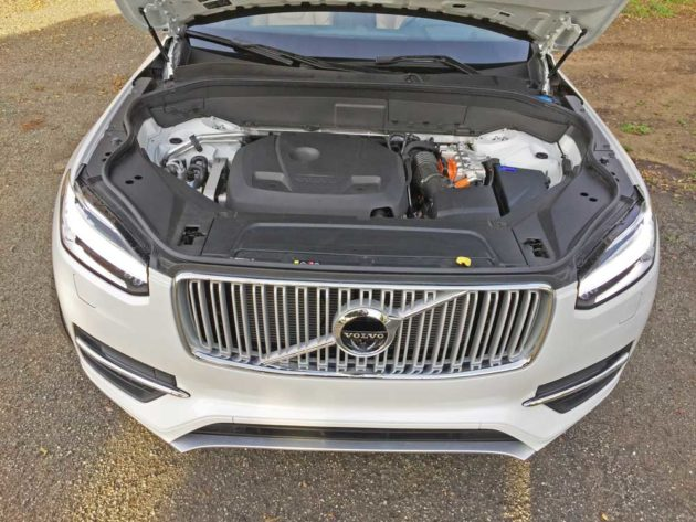 Volvo-XC90-T8-Eng