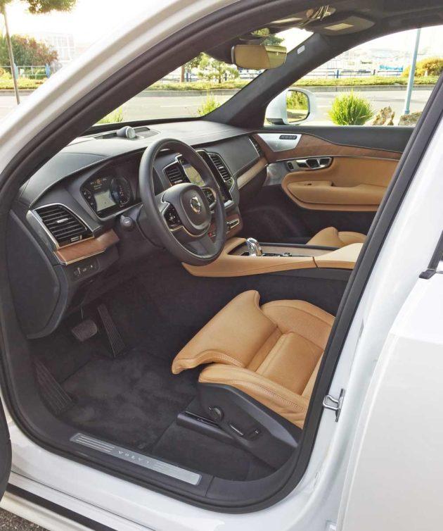 Volvo-XC90-T8-Int