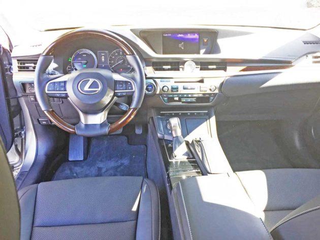 Lexus-ES-300h-Dsh