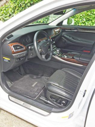 Hyundai Genesis G90 Int