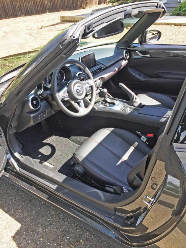 Mazda-Miata-RF-Int
