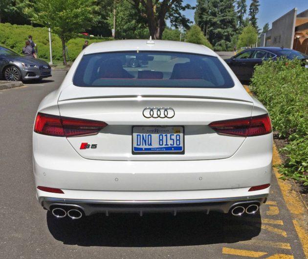 Audi S5 TailW