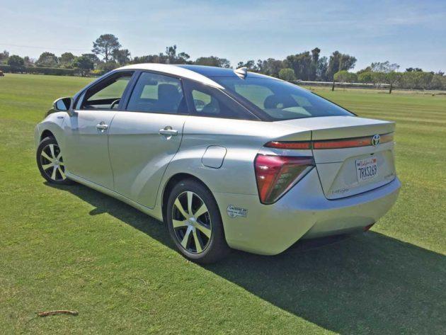 Toyota-Mirai-LSR