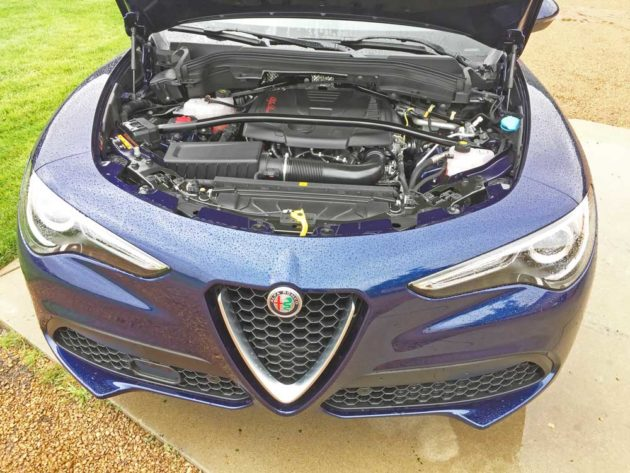 Alfa-Romeo-Stelvio-Sport-Eng