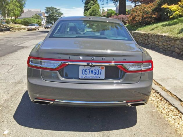 Lincoln-Continental-Tail