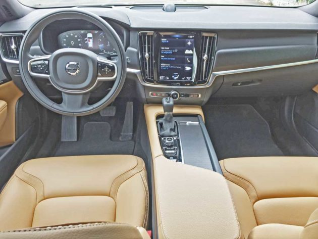 Volvo-V90-T6-Cross-Country-Dsh