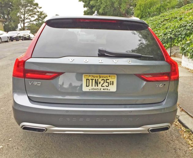 Volvo-V90-T6-Cross-Country-Tail