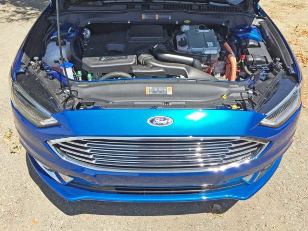 Ford-Fusion-Hybrid-Eng