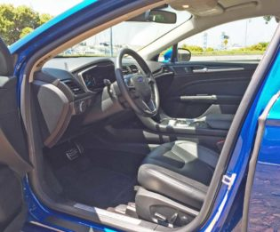 Ford-Fusion-Hybrid-Int