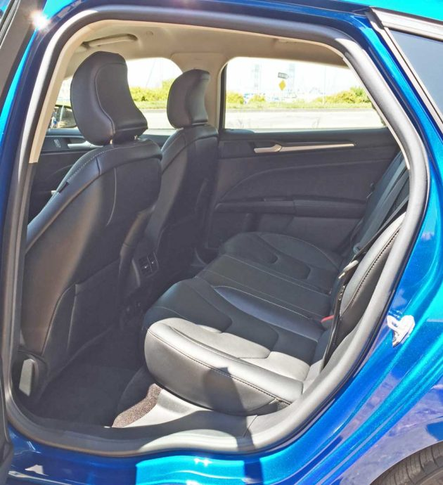 Ford-Fusion-Hybrid-RInt