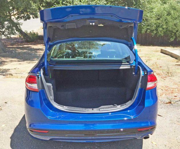 Ford-Fusion-Hybrid-Trnk