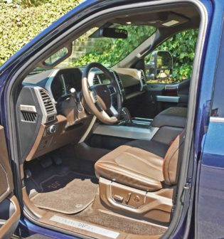 Ford-F-150-King-Ranch-Int