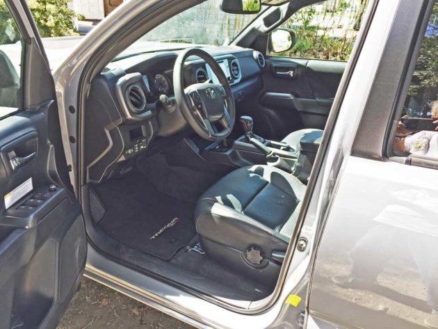 Toyota-Tacoma-TRD-Pro-Int