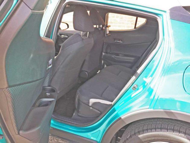 Toyota-C-HR-RInt