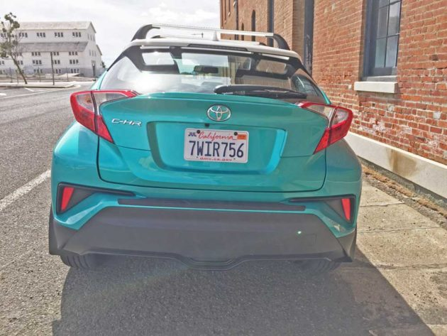Toyota-C-HR-Tail