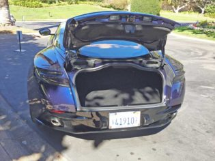 Aston-Martin-DB11-V8-Trnk