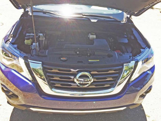 Nissan-Pathfinder-Eng
