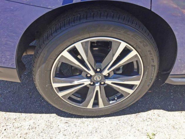 Nissan-Pathfinder-Whl