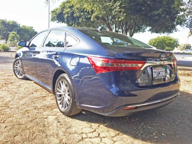 Toyota-Avalon-Hybrid-LSR