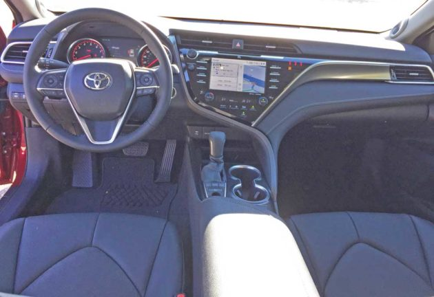 Toyota-Camry-XSE-Dsh