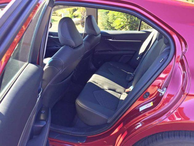 Toyota-Camry-XSE-RInt