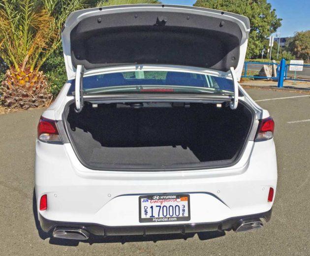 Hyundai-Sonata-2.0T-Trnk