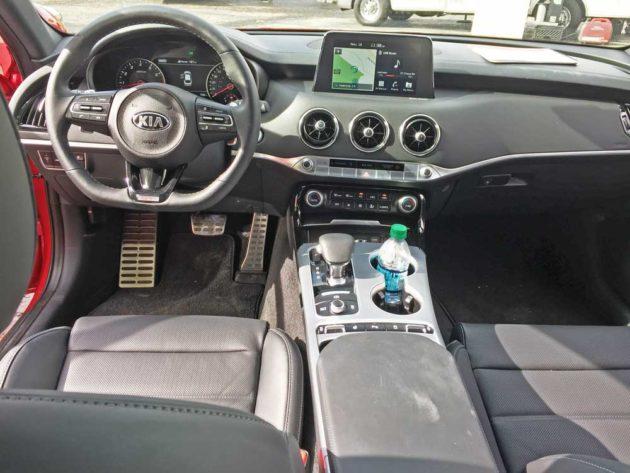Kia-Stinger-GT2-Dsh