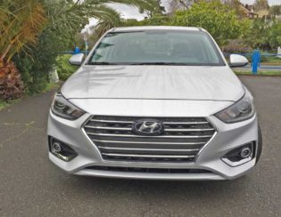 Hyundai-Accent-Limited-Nose