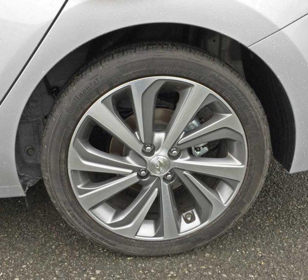 Hyundai-Accent-Limited-Whl