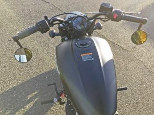 Indian-Scout-Bobber-Cntrls