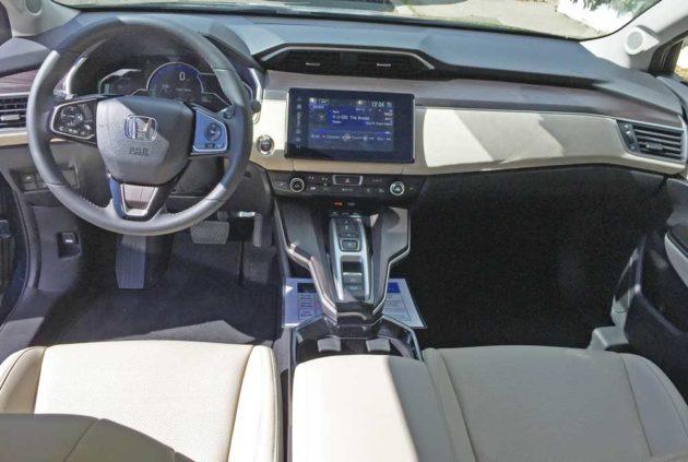 Honda-Clarity-Plug-In-Hybrid-Dsh