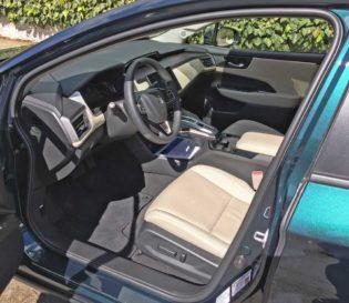 Honda-Clarity-Plug-In-Hybrid-Int