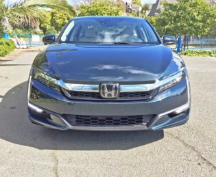 Honda-Clarity-Plug-In-Hybrid-Nose